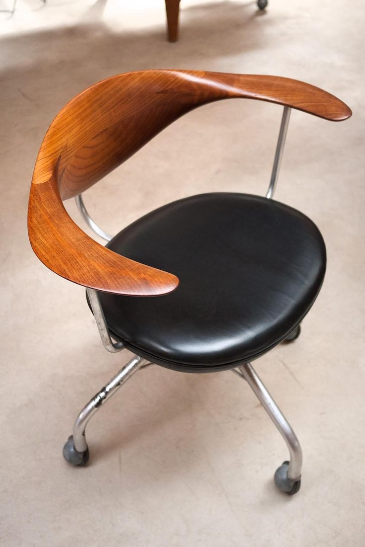 HANS J. WEGNER | Swivel Chair | Model No. JH502