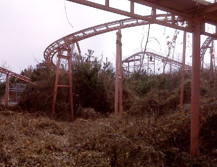 Abandoned Theme Parks 40 Pics