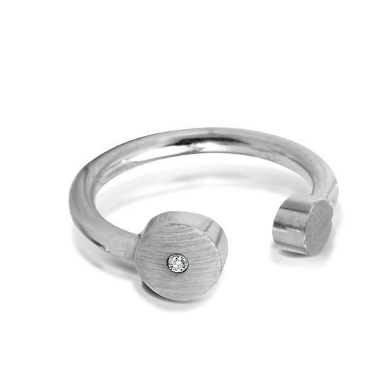 Studio Y: Pierścionek z diamentem ZEN, 269 PLN, www.YES.pl/55270-studio-y-pierscionek-z-diamentem-zen-AY-Y-000-SYG-16271BR #jewellery #silver #BizuteriaYES #shoponline #accesories #pretty #style