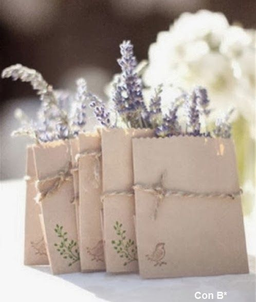 Regalitos para boda con lavanda en *Con B de Boda* http://conbdeboda.blogspot.com.es/2014/01/lavanda-para-tu-boda.html