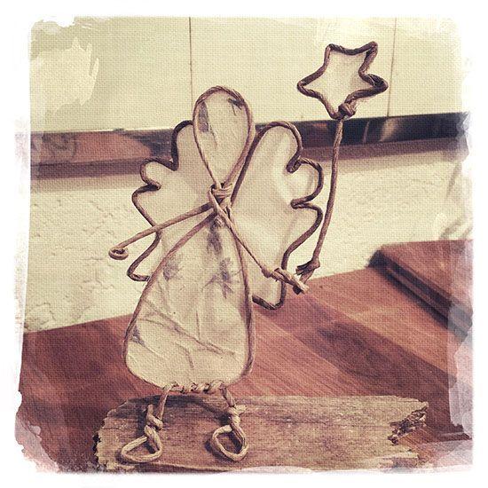 Gesehen und verliebt - in diesen hübschen Engel aus Papierdraht. Gefunden in der…