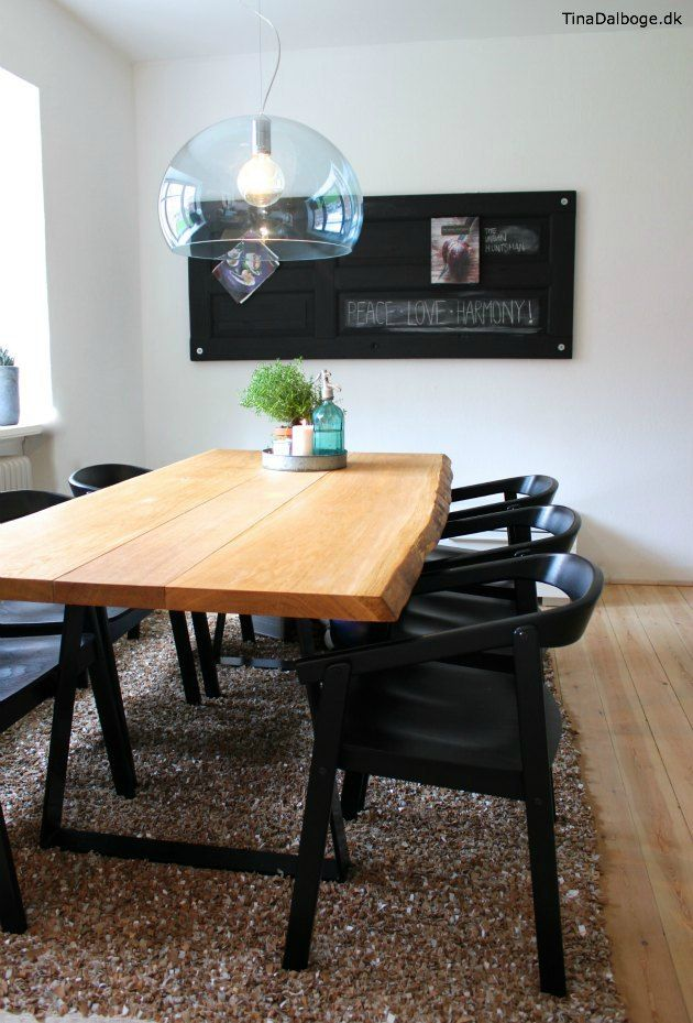 Tavlemaling på en plade på gammel dør - plankebord fra Woodstyle - idé fra Tina Dalbøges kreative blog