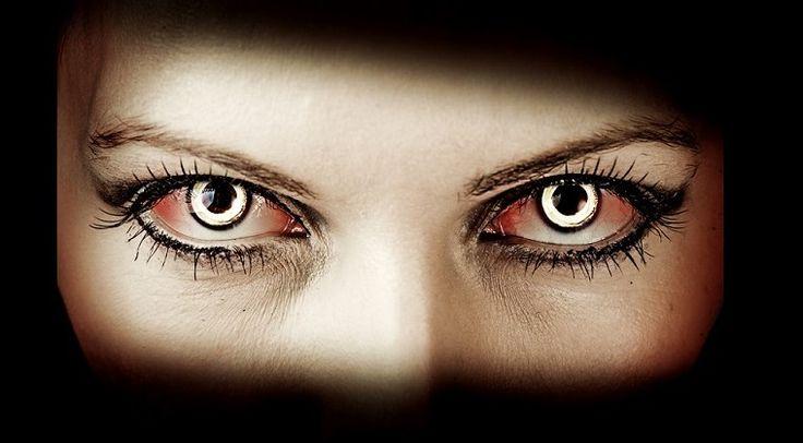 Vampire émotionnel : Sous des dehors charmants, certaines personnes détruisent lentement mais sûrement tous ceux qui se trouvent dans leur sillage.