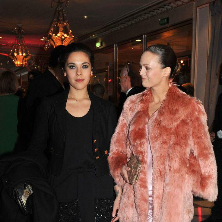 Vanessa et sa soeur Alysson Paradis lors du gala Sidactin à Paris le 30 janvier 2009