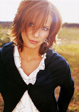 Martina Mcbride short layered hairstyle