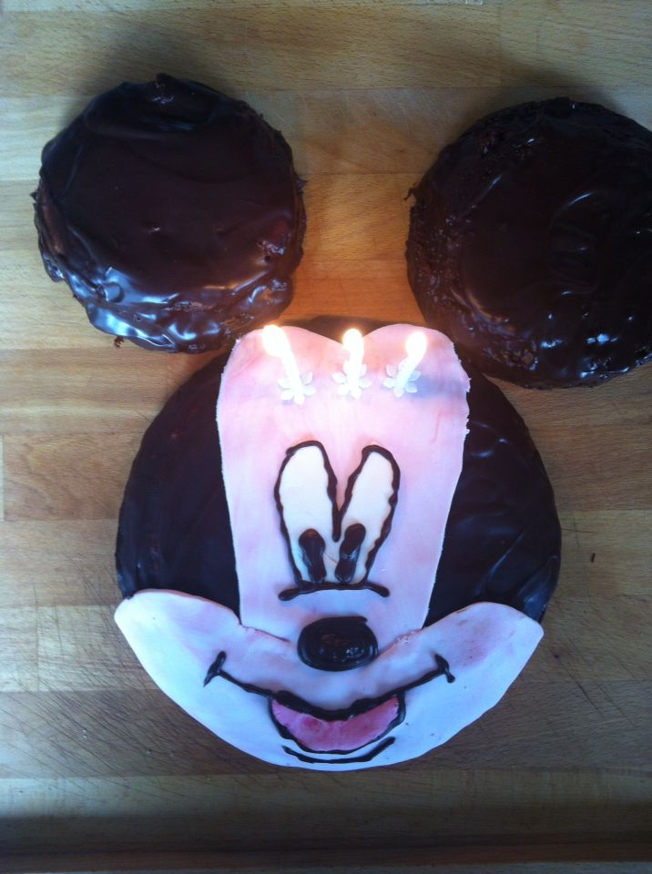 Gâteau Mickey - 3 ans Lily - Chocolat et pâte à sucre