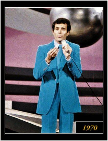 Julio Iglesias en el Festival de la Canción de Eurovisión 1970 en Ámsterdam con la canción Gwendolyne