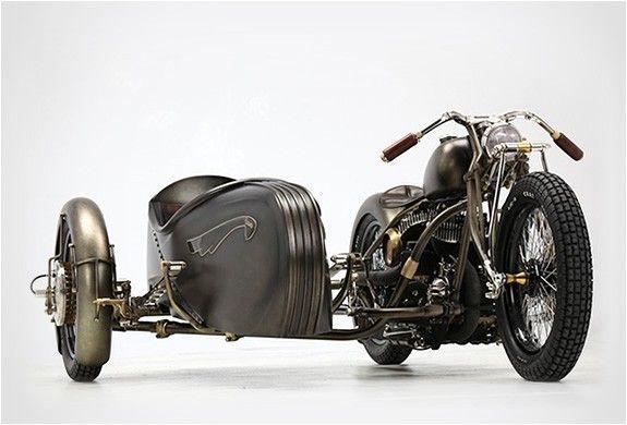 1942 Harley-Davidson Model U plus side car