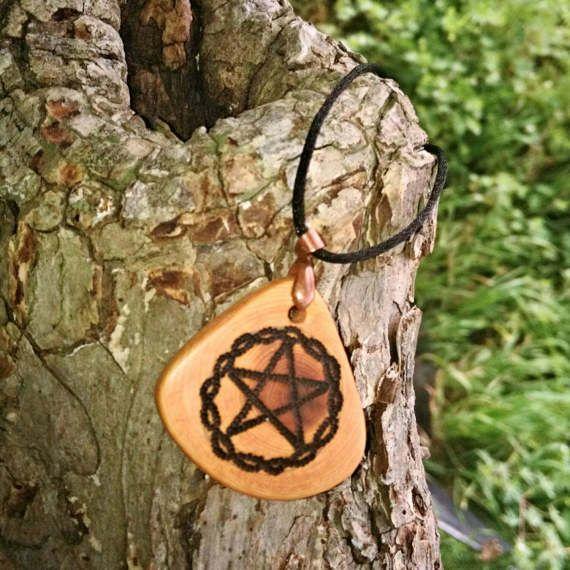 Juniper wood pyrography pentacle pendant, handmade pentacle, hand burned juniper pendant, oak tree pendant, owl pentacle necklace, wisdom