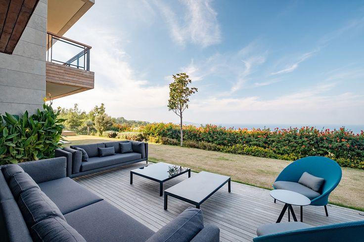 slasharchitects D House 02 #slasharchitects #architecture #house #terrace #garden