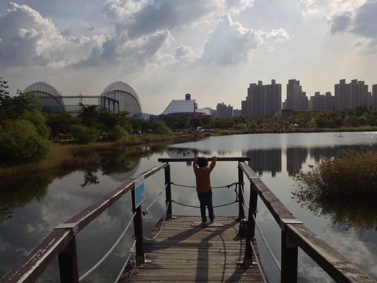 상동 호수공원.