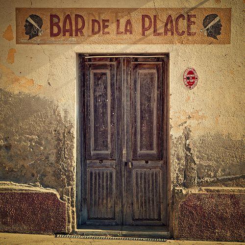 Everybody In De La Place. Corbara, Corsica