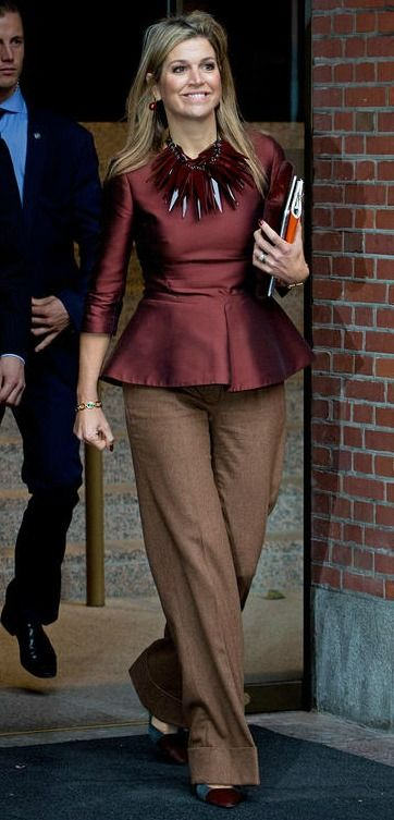 Queen Maxima attended the opening of the conference Doing Business in Fragile States in the Beurs van Berlage in Amsterdam, The Netherlands, 11 November 2015.  The Queen wore a Natan outfit and bag .