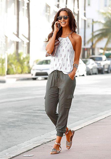 Casual weekend outfit idea for summer or fall. Miranda Kerr fashion style. Khaki... 7