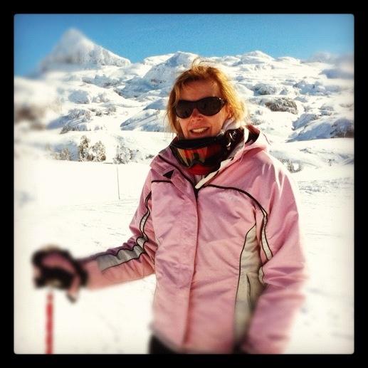 Ali Skiing