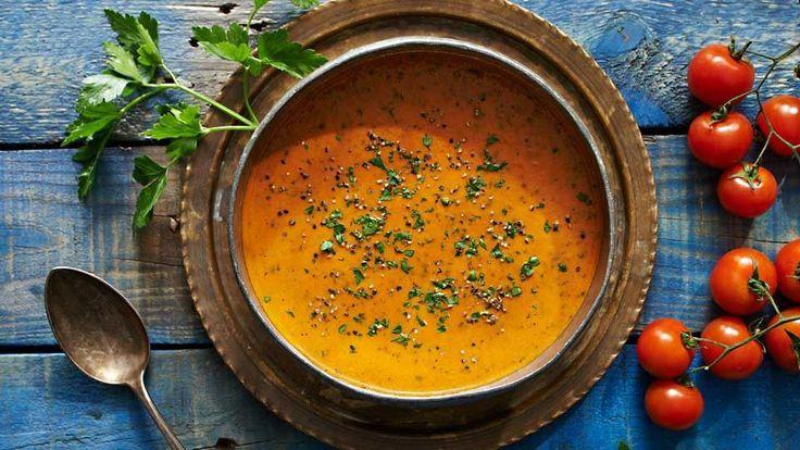 Krémová paradajková polievka s bylinkami