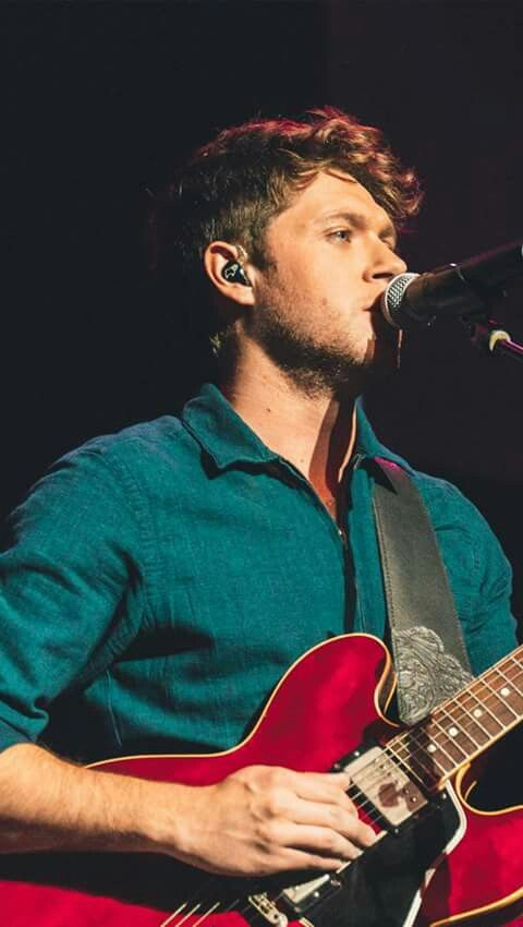 Niall Horan is coming to a city near you! Grab your tickets now for the Flicker Sessions 2017 Tour!