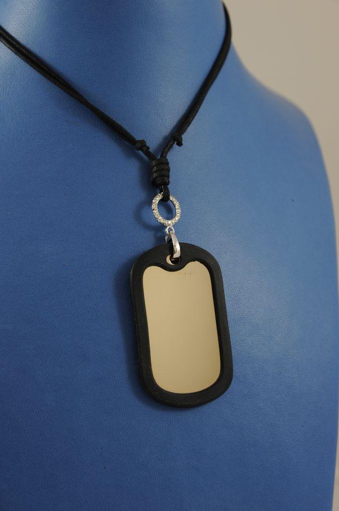 Piastra stile militare, in oro bianco, con bordino di gomma, da incidere o traforare