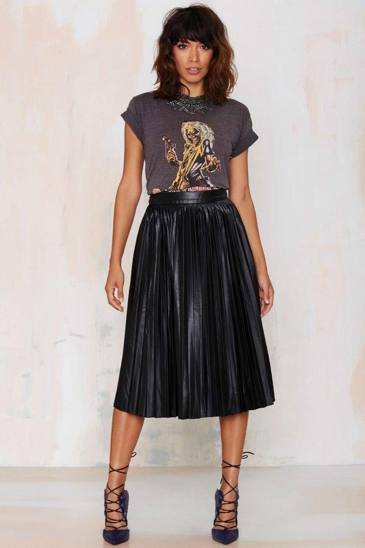 T-Shirt + Pleated Midi Skirt