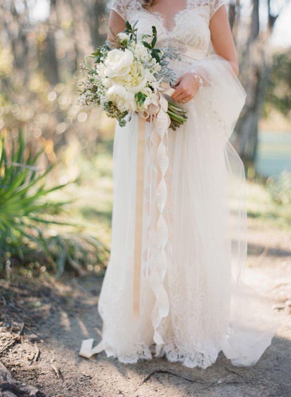 claire-pettibone-dress-veil-ivory-bouquet-ribbons