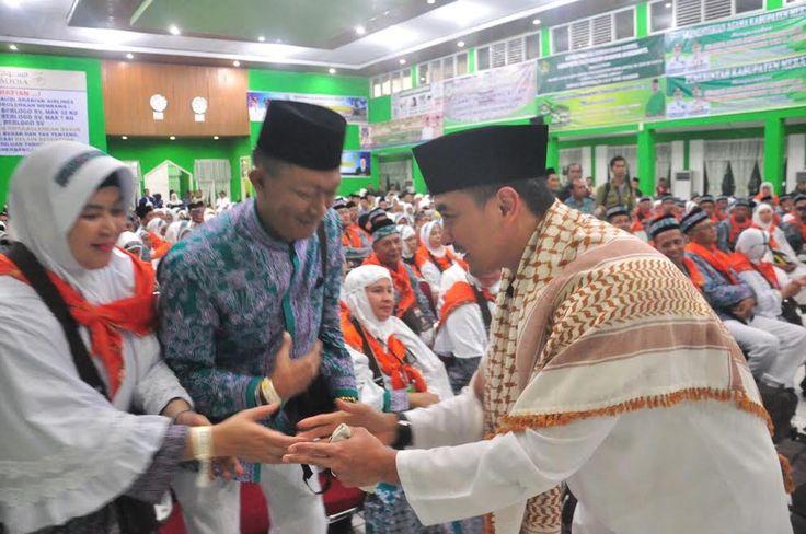 Gubernur Zola Lepas Keberangkatan JCH Provinsi Jambi Kloter 16