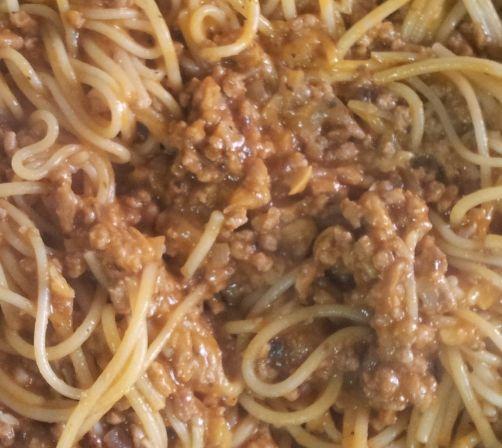 Spaguetti alla bolognesa e funghi para #Mycook http://www.mycook.es/receta/spaguetti-alla-bolognesa-e-funghi/