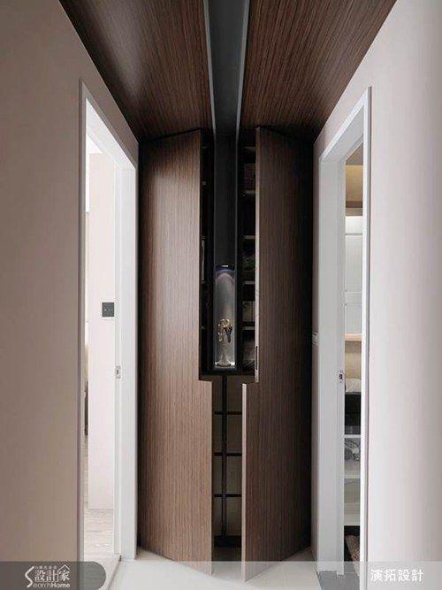 Interior architectural details
