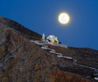 Fly me to the (honey)moon στα 15 πιο ρομαντικά ελληνικά νησιά - Φολέγανδρος....