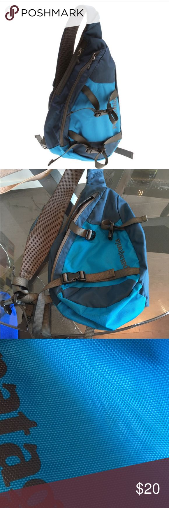 Patagonia bag Patagonia bag. A few stains on the bottom and on front but other than that it's in great condition. Stains on front are hardly noticeable. See pic. Patagonia Bags Crossbody Bags
