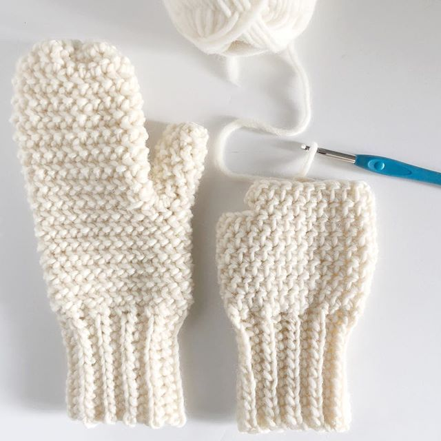 Crochet Herringbone Half Mittens - Daisy Farm Crafts Instagram