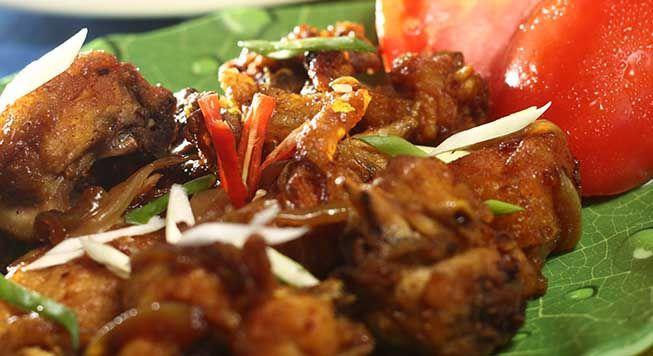 Salah satu variasi masakan ayam goreng yaitu memakai bawang bombai, nikmati lezatnya, coba dan buktikan sendiri salah satu #resep olahan #ayam silahkan lihat juga resep olahan ayam lainnya di resepe.com. Jangan lupa untuk mereview resep ini