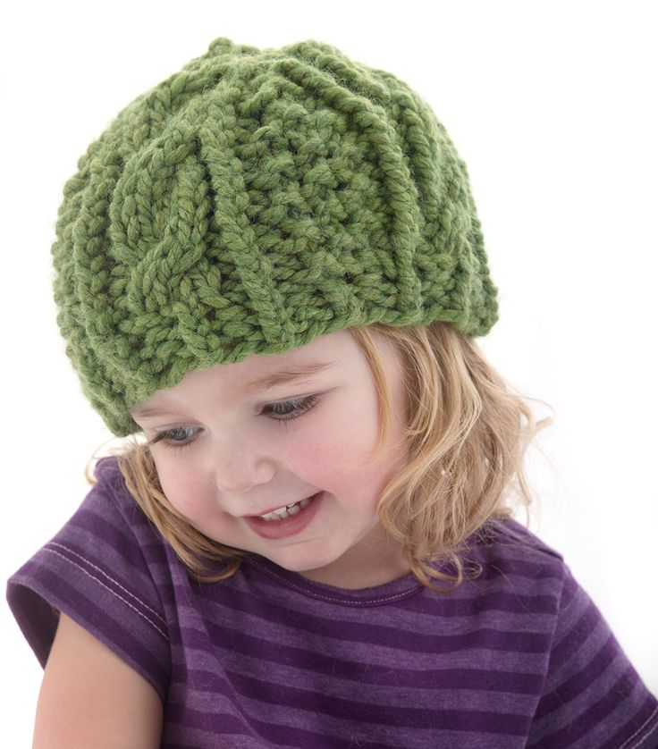 Cabled cozy hat for children