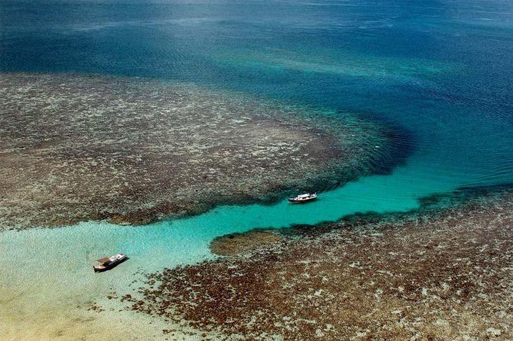 Wonderful Indonesia - Lengkuas Island: charming old Lighthouse Overlooking a Pristine Beach