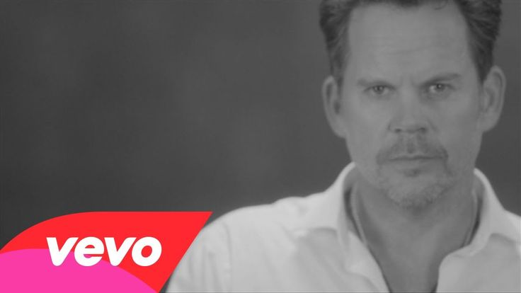 Official Video finally here!  It's amazing! Gary Allan - It Ain't The Whiskey