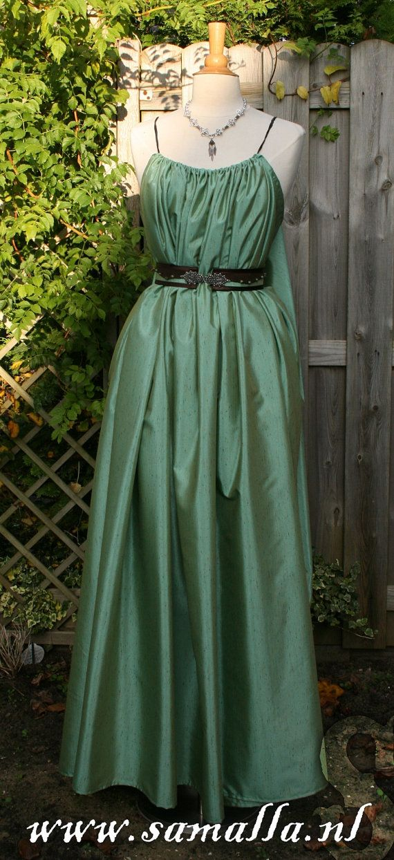 Shae Dress 'Dream' in Green Silk with belt leather by SamallaNL