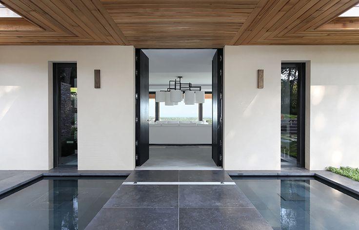 slate wood and white || François Vieillecroze | Saint Tropez Architect | villa creations by François Vieillecroze