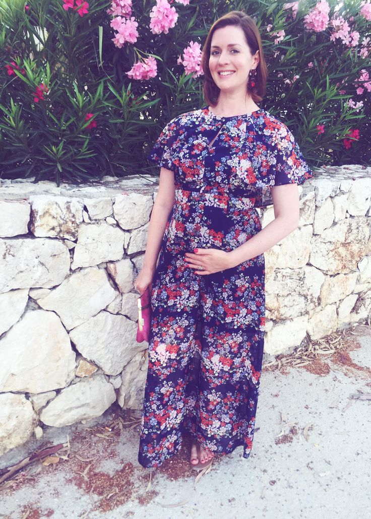 Summer holiday 'bump' style and tips.  http://www.poutinginheels.com/summer-holiday-bump-style-tips/  #pregnancy #pregnancystyle #maxidress #capedress #maxipregnancydress #summerstyle #style