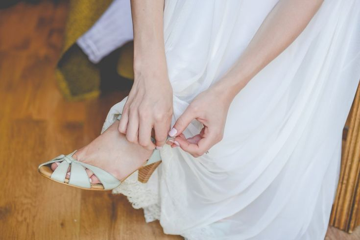 Details // Getting Ready // Morning of // Wedding Day // Preparations // Green Wedding Shoes // Summer Wedding Shoes // Small Hell // Pale Green // Intimate Ceremony // Lauren Newman // Wedding Photographer // Israel, Tel Aviv // Destination