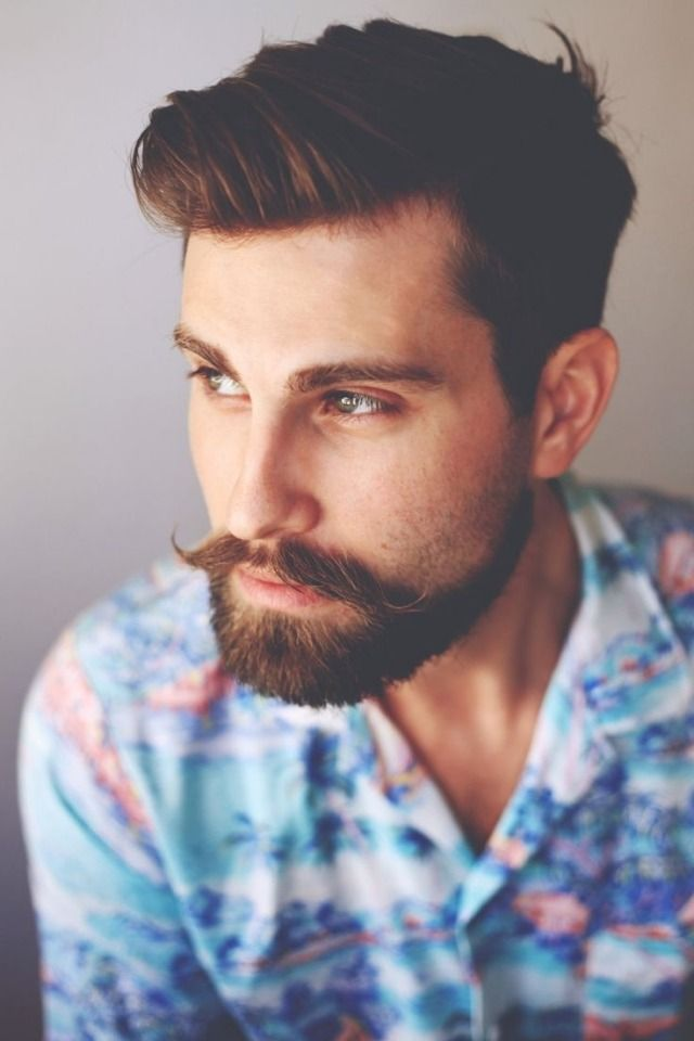 Männer Frisuren im Trend-Hairstyle mit Schnurrbart-Retro-Cool