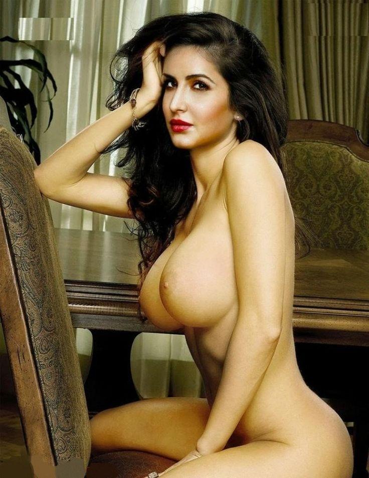 Nerdy girl nude self pic