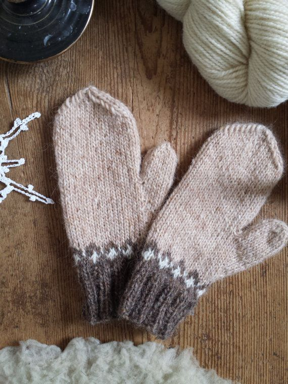 Icelandic Mittens Hand knit with Straw, White and Brown READY TO SHIP