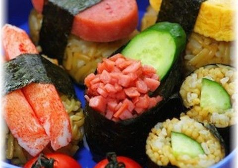 【その手があったか】開けてビックリ「にぎり寿司べんとう」がすごい!