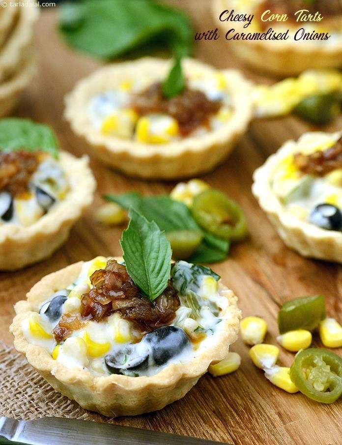 Cheese, corn, jalapenos and other popular Italian toppings, herby seasonings and crunchy caramelised onions sit atop dainty tarts to steal the diners' attention. The aroma of onions caramelised with brown sugar is just too tempting to avoid.