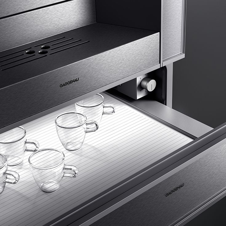 Ideal serving temperatures are achieved with the WS 482 warming drawer. Its hygienic stainless steel interior makes it perfect for everything from heating plate, keeping food warm, defrosting and slow cooking.