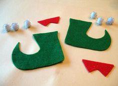 Manualidades de navidad con fieltro: zapatos de duende colgantes