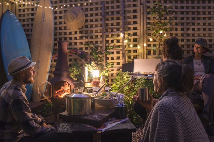 Backyard Party inspiration for how to style your backyard for a cosy and social evening.