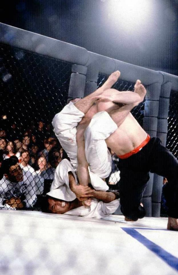 Royce Gracie. The Beginning of it all... ARM BAR
