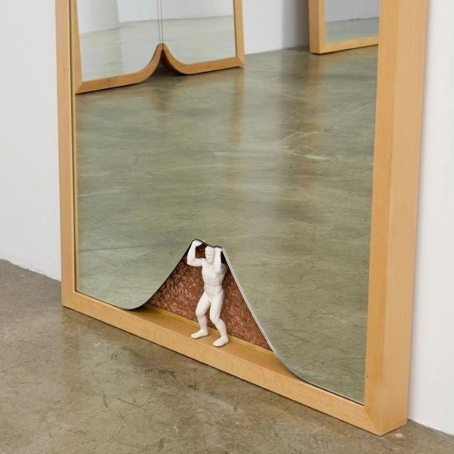 25 + › Ron Gilads Arbeit ist sehr auf den Raum und die Winkel ausgerichtet. Ich möchte mehr von …