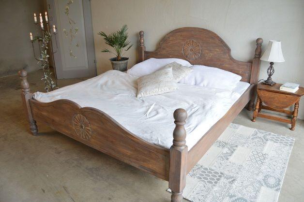 zum Verkauf steht ein rustikales, in liebevoller Handarbeit restauriertes Doppelbett, 180x200. Weitere Infos auf dawanda.de oder auf maybe-fairytale.jimdo.com/