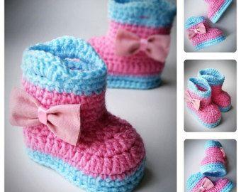 Синий и розовый вязание крючком Детские пинетки с бантом, вязание крючком обувь, Детская обувь, для новорожденных, и Детские пинетки, сапоги для новорожденных, Baby Shower gift
